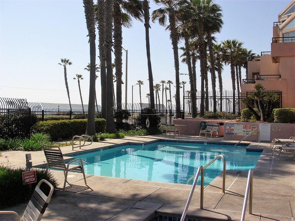 Pierhouse condos huntington beach pool