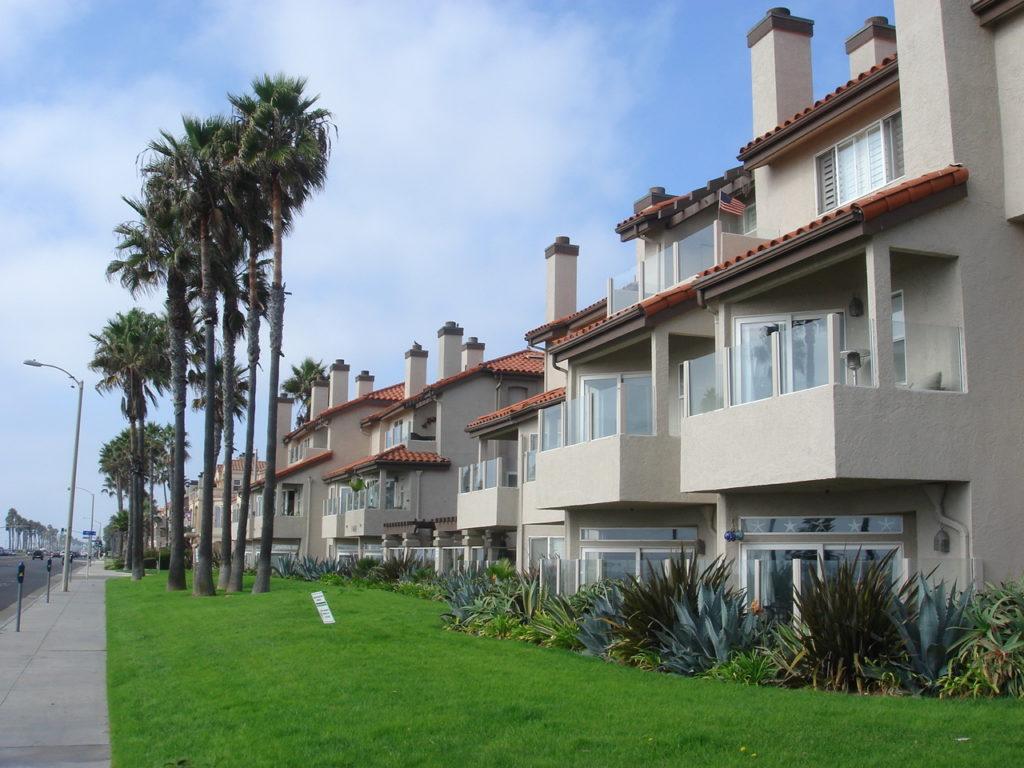 Ocean Breeze Villas Condos Huntington Beach