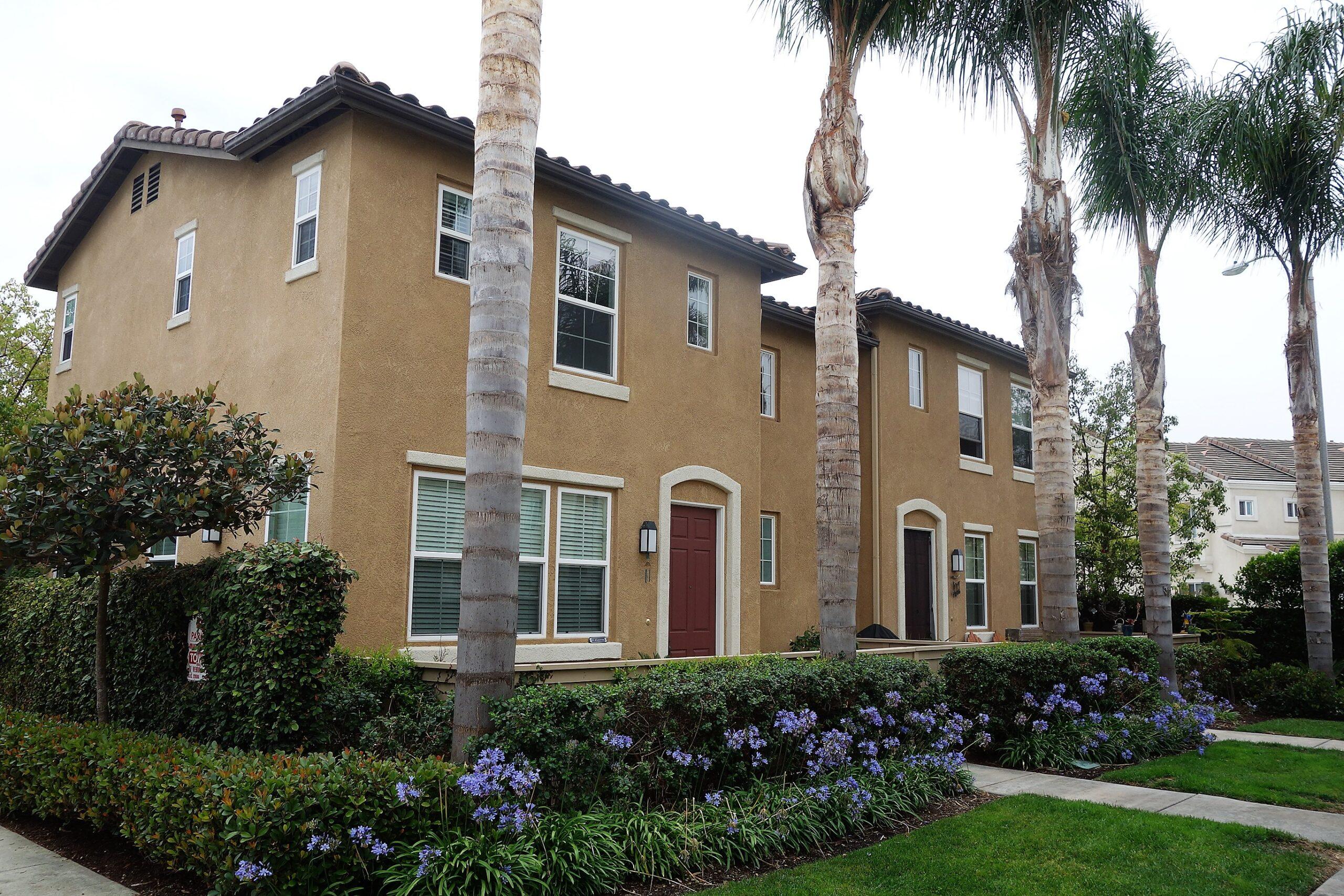 Siena Townhomes Huntington Beach